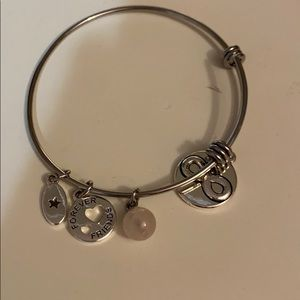 Metal adjustable charm bracelet